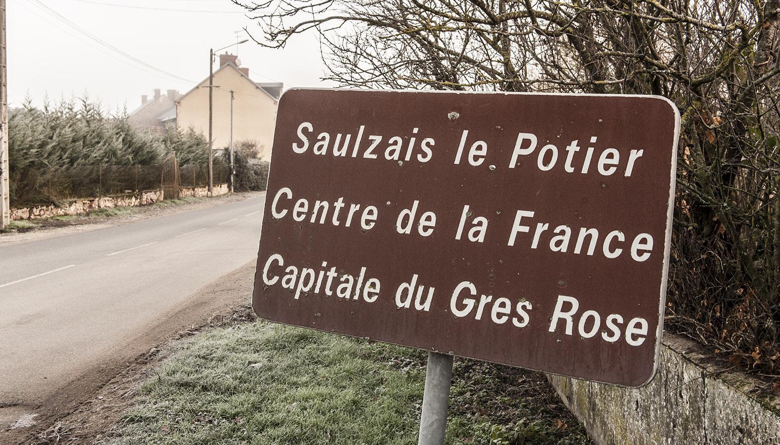 Unterwegs im Berry. Mathematisch berechnet: das geografische Zentrum Frankreichs in Saulzais-le-Potier. Foto: Hilke Maunder