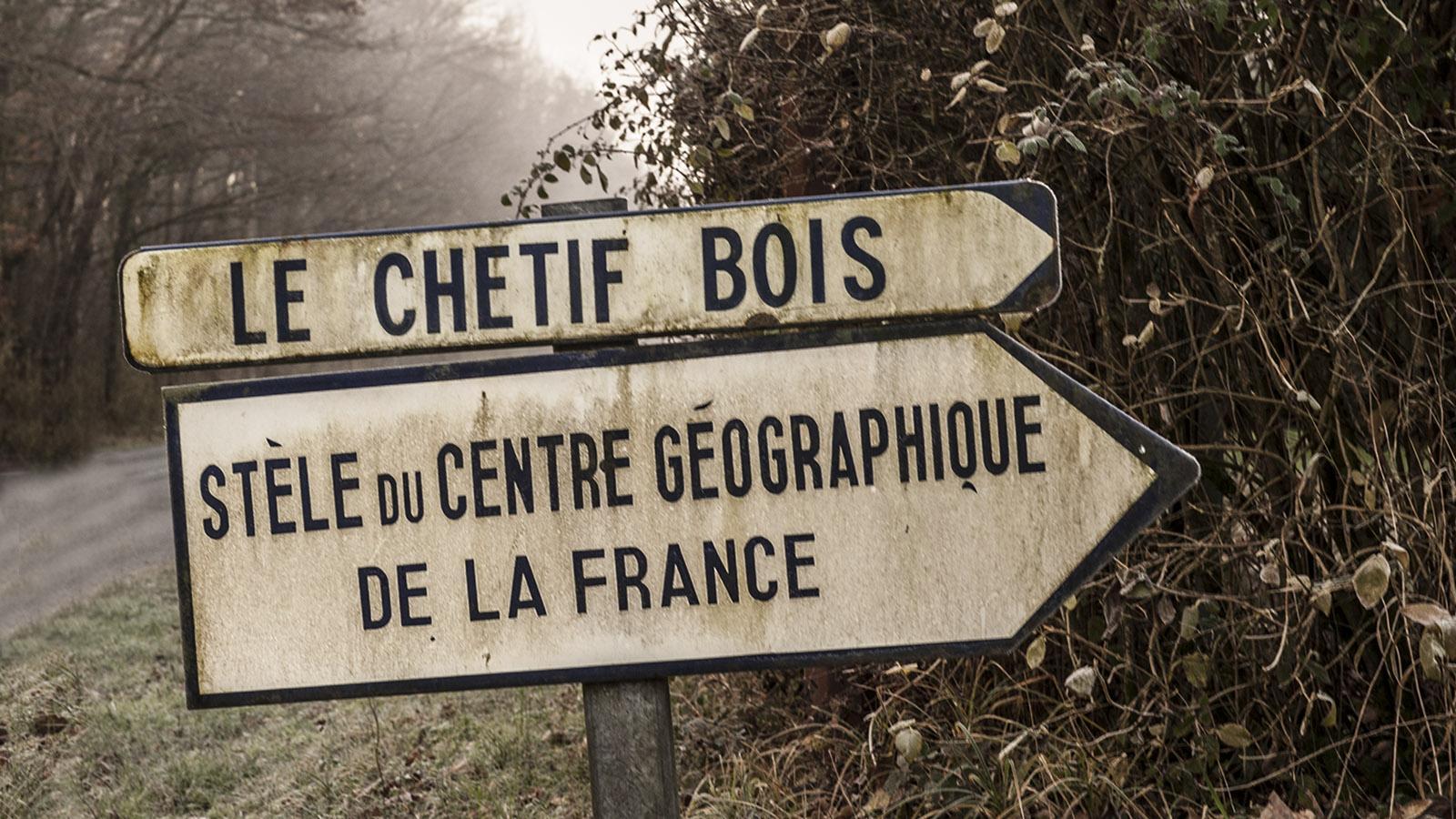 Unterwegs im Berry Mathematisch berechnet: das geografische Zentrum Frankreichs in Saulzais-le-Potier. Foto: Hilke Maunder