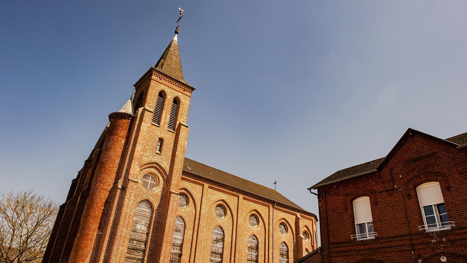 Die Wehrkirche Notre-Dame-du-Mont-Carmel von Origny-en-Thiérache. Foto: Hilke Maunder