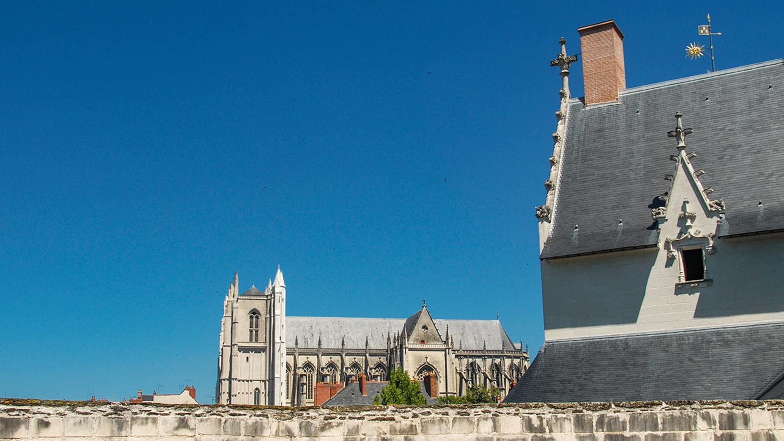 Nantes: Blick von der Wehrmauer des Herzogsschlosses auf die Kathedrale. Foto: Hilke Maunder
