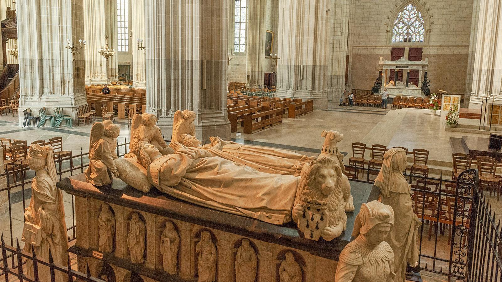 Nantes: Herzogsgrab in der Kathedrale. Foto: Hike Maunder