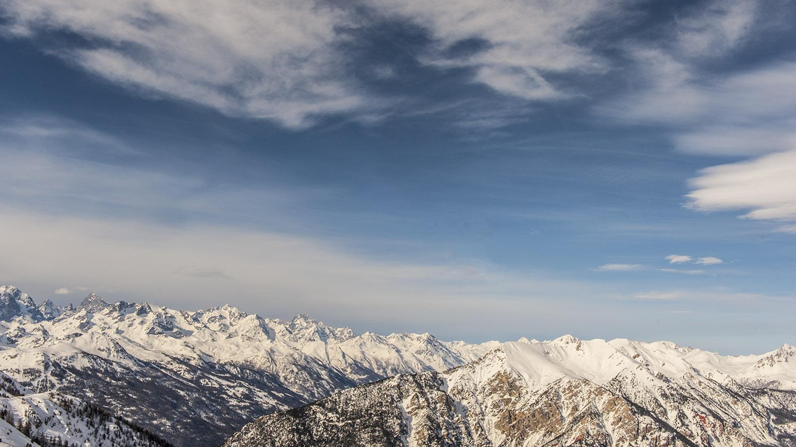 Auch solche eisigen Bergspitzen wie hier bei Montgenèvre gehören zur Haute-Provence! Foto: Hilke Maunder