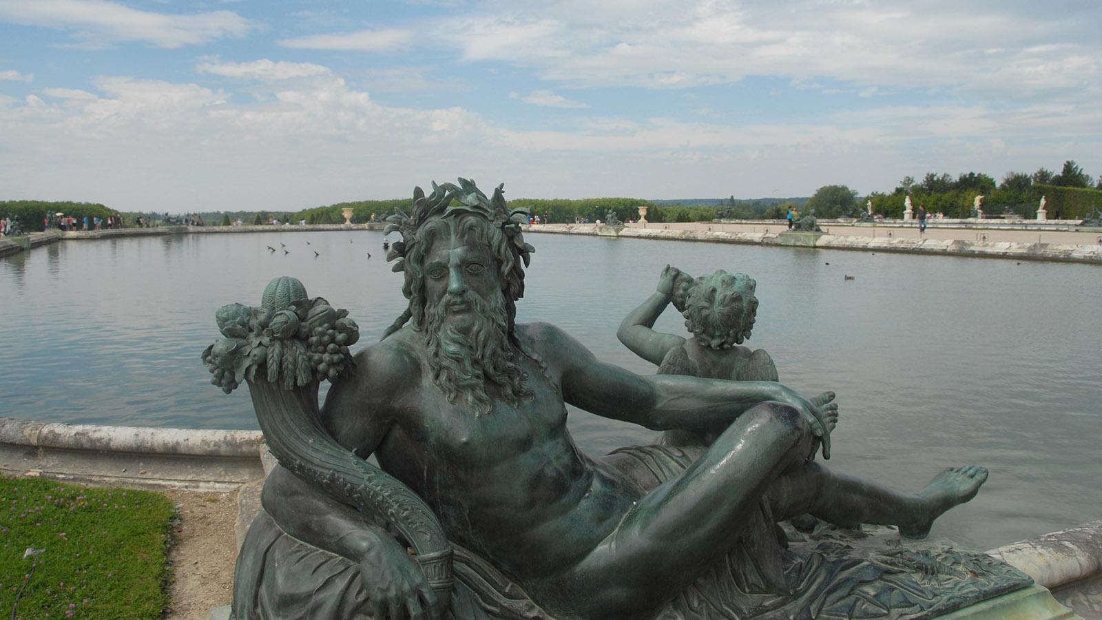 Schloss Versailles, Barockgarten mit Allegorie der Loire. Foto: Hilke Maunder