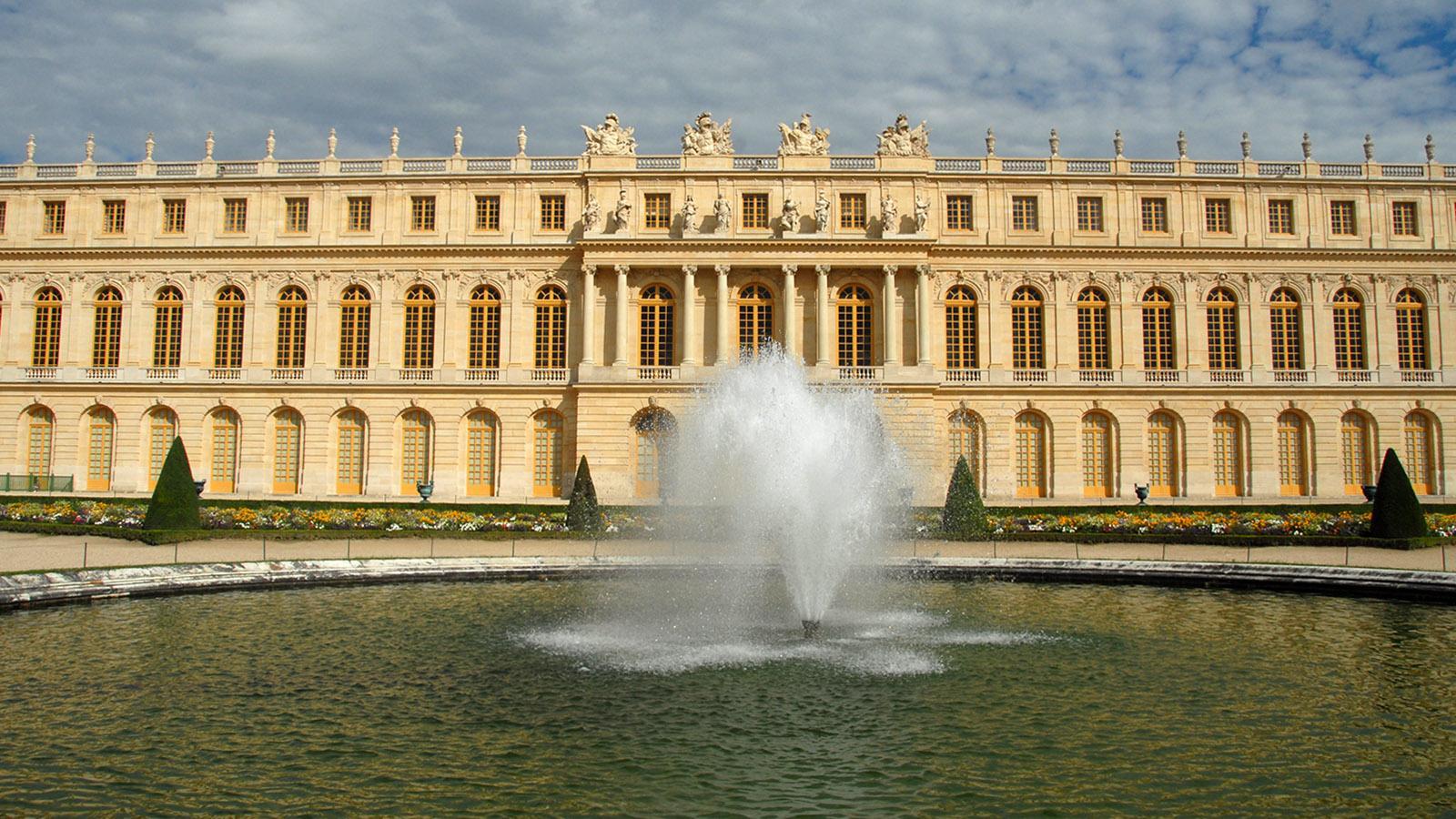 Schloss Versailles: Wasserspiel vor dem Südflügel. Foto: Hilke Maunder