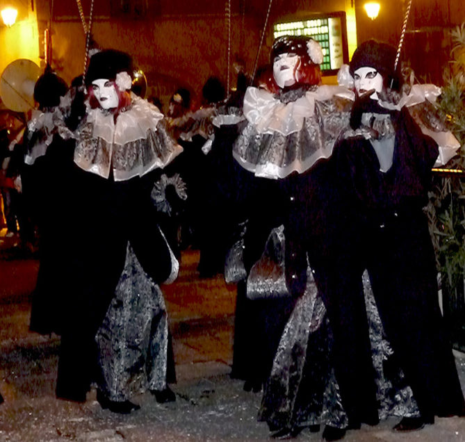 Carnaval_Limoux_8_Les_Piotos_credits_OT_Limouxin