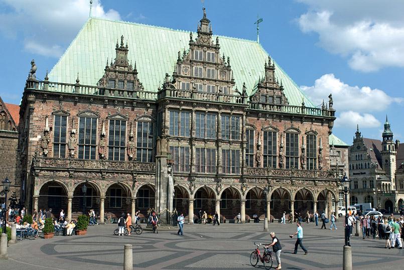 Der Marktplatz von Bremen mit dem Rathaus. Foto: Manuela Gangl/BTZ-Bremer-Touristik-Zentrale