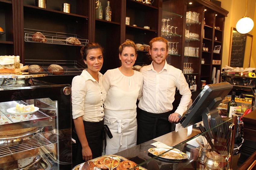 Boulangerie Philine in Kiel: Philine mit ihrem Partner und einer Mitarbeiterin