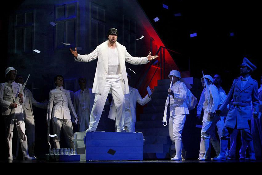 Frankreich ganz französisch. Copyright_Pressebild Mecklenburgisches Staatstheater_Foto Silke Winkler