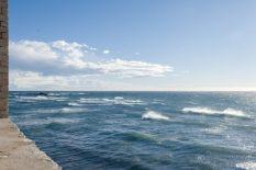 F_Îles Lérins_St-Honorat_KlosterWehrturm_Ausblick_Mittelmeer©Hilke Maunder