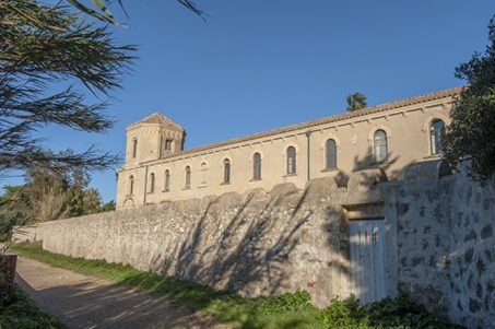 F_Îles Lérins_St-Honorat_Kloster_Mauer_2_credits_Hilke Maunder