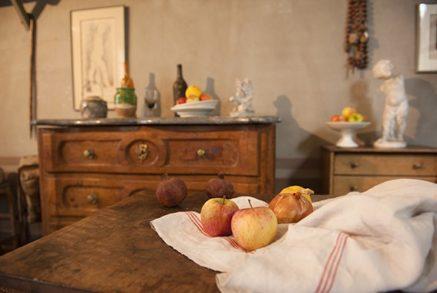F_Aix-en-P._Atelier Cézanne_Äpfel_Möbel©Hilke Maunder