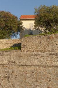 f_ajaccio_fort_mauer_haushilke-maunder