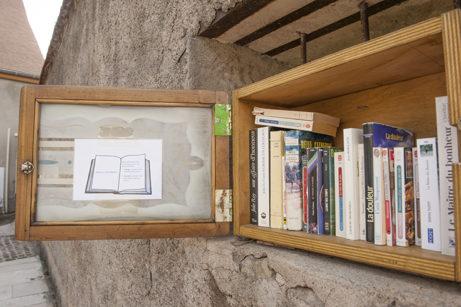 F_Arnay-le-Duc_Büchertausch_credit_Hilke Maunder