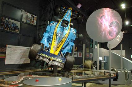 F_Auvergne_Clermon-Ferrand_Aventure Michelin_Formel1_Alfonso_©Michelin