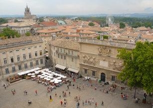 F/Vaucluse/Avignon: Palais des Papes, Blick auf die Place du Palais