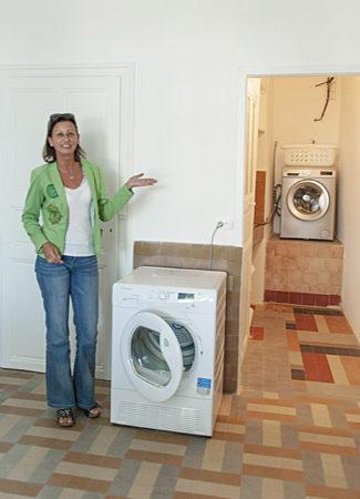 f_bourg-saint-andeol_fil-du-rho%cc%82ne_laundryhilke-maunder