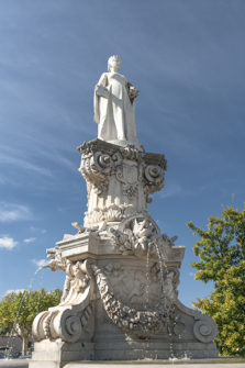 f_bourg-saint-andeol_fontaine-dona-vierna_place-du-champ-de-marshilke-maunder