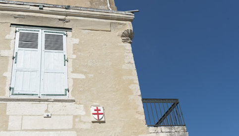 f_bourg-saint-andeol_palais-des-eve%cc%82ques_fassade_1_72hilke-maunder