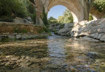 f_bourg-saint-andeol_ruisseau-de-sardagne_1hilke-maunder