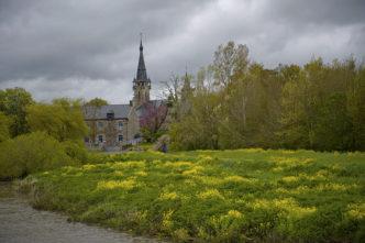 F_Bretagne_Brain_Vilaine_Ortslage mit Kirche©Hilke Maunder