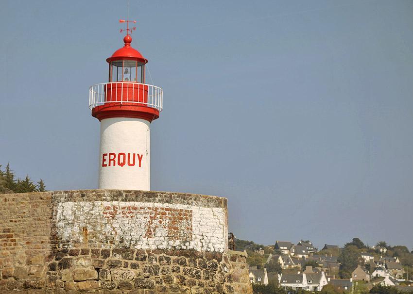 Der Leuchtturm von Erquy. Copyright: CRT Bretagne, Foto: SEGALEN Yoann