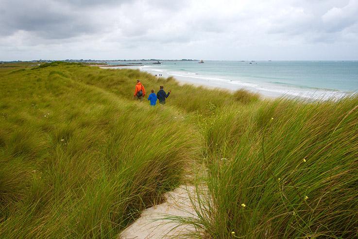 Côte des Sables: durch die Dünen ans Meer