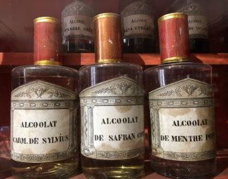 F_Burgund_Beaune_Hotel-Dieu_Medizin. Alkohole_credits_Hilke Maunder