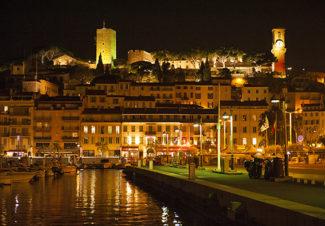 F_Cannes_Altstadt_Hafen_nachts_©Hilke Maunder