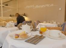 F_Cannes_Hotel America_Frühstücksraum_4_credits_Hilke Maunder