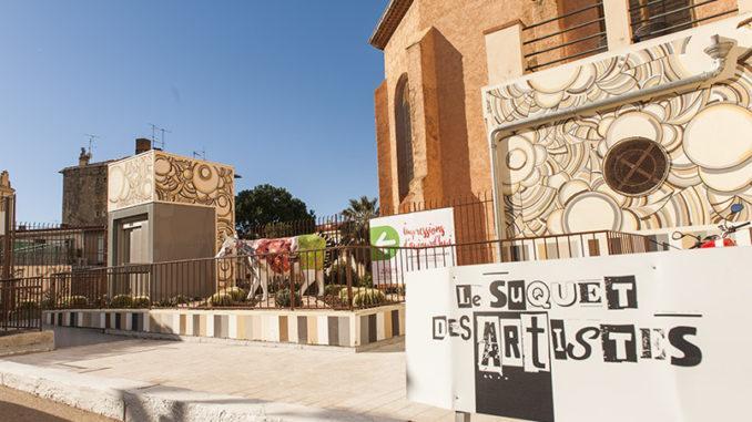 Der Eingang zum Suquet des Artistes von Cannes