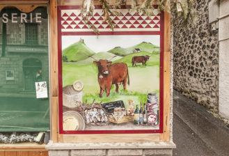 F_Cantal_Murat_Altstadt_Käseladen_credits_Hilke Maunder