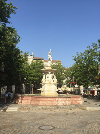 F_Carcassonne_place carnot_Brunnen_©Caroline Ducasse