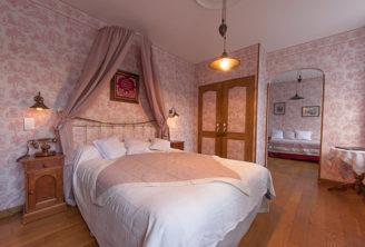 F_Cauterets_Hotel Le Lion d Or_Zimmer _credit_Hilke Maunder