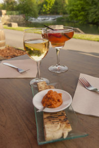 F_Châteauneuf-sur-Charente_La Tonnellerie_Pineau-Cocktail_Weißwein_credits_Hilke Maunder
