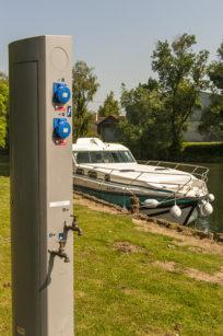 F_Châteauneuf-sur-Charente_Liegeplatz_Strom_credits_Hilke Maunder