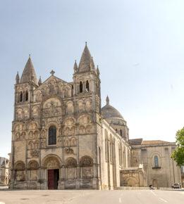 F_Charente_Angoulême_Kathedrale_1_credits_Hilke Maunder