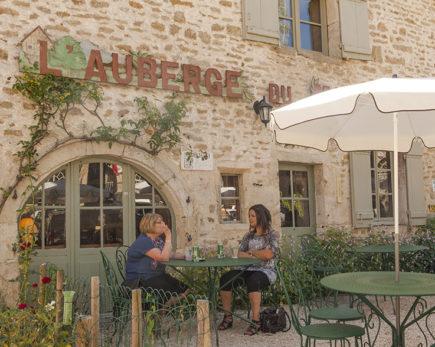 F_Chateauneuf-en-Auxois_L'Auberge du Marronier_credits_Hilke Maunder