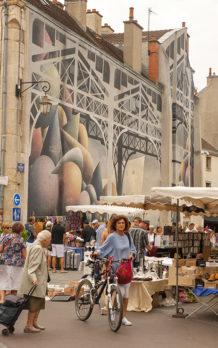 F_Dijon_Markthalle_draußen_1_credits_Hilke Maunder