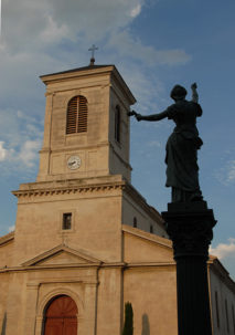 F/Drôme/Suze-la-Rousse: Pfarrkirche