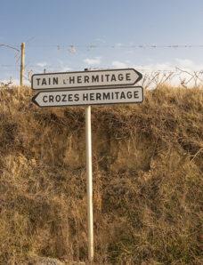 F_Drome_Tain_Crozes_Hermitage_Schilder_credits_Hilke Maunder