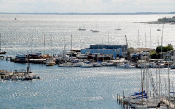 F/Languedoc-Roussilon/Hérault/Étang de Thau/Balaruc: Blick auf den Hafen