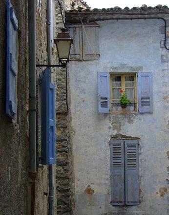 F/Provence/Haute Provence/Entrevaux: Fassaden im mittelalterlichen Ortskern.