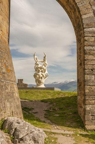 F_Foix_Château_Skulptur von Nick Ervinck_8_credits_Hilke Maunder