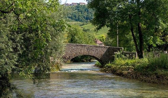 F_Franche-Comté_Château Chalon_©Tanja Midgardson (Voigt)
