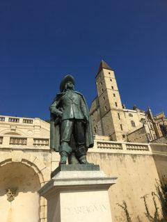 F_Gers_Auch_Monumentaltreppe_Tour d'Armagnac_Artagnan_1_credits_Hilke Maunder