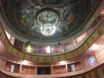 F_Gers_Auch_Rathaus_ital. Theater_1_credits_Hilke Maunder