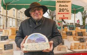F_Grenoble_Marché Estacade_Bleu Vercors Sassange_credits_Hilke Maunder