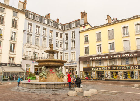 F_Grenoble_Place Grenette_credits_Hilke Maunder