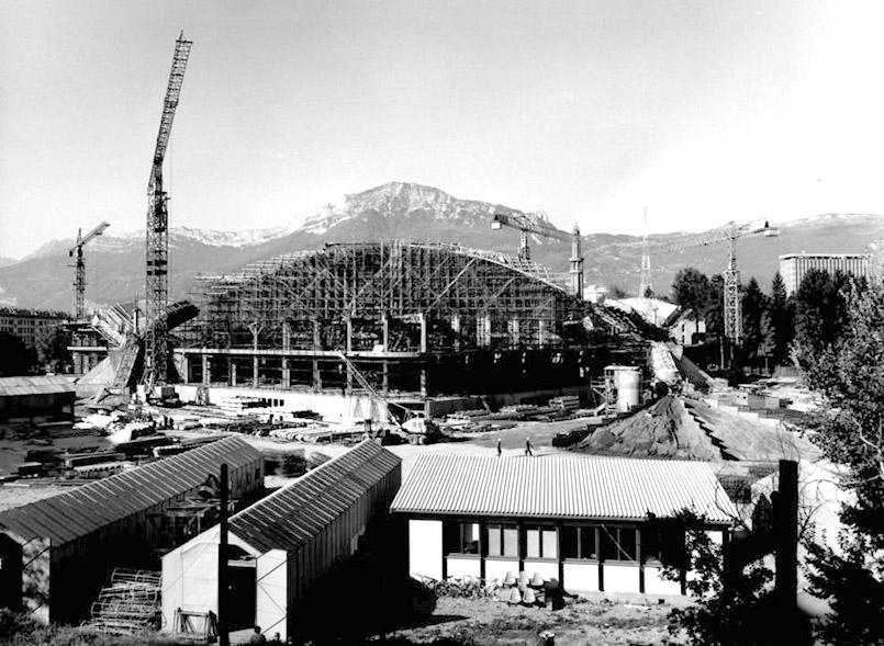 Das Eisstadion, heute der Palais des Sports