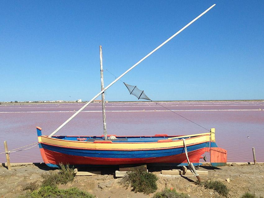 Das Pointu-Boot der Saline von Gruissan. Foto: Hilke Maunder